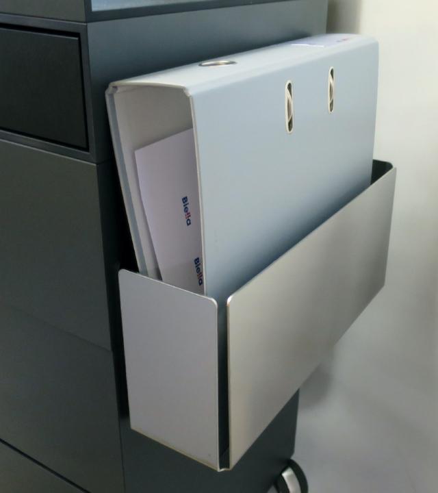 0520 Blaser Chair Cura Korpus M Ordnerhalter Detail 800X900 72